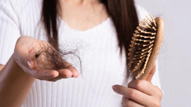 Was wirklich gegen Haarausfall hilft